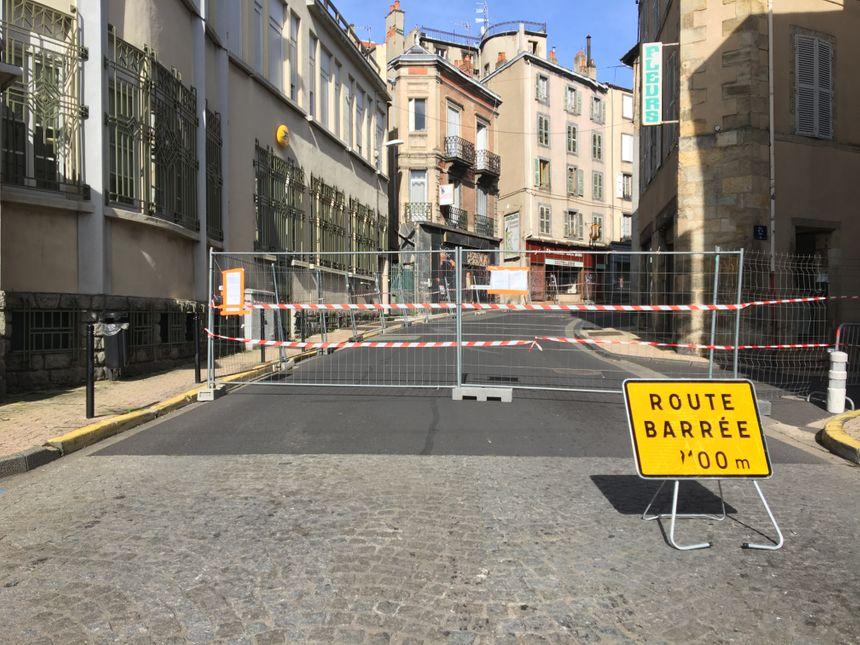 La rue François Mitterrand a été sécurisée en attendant les conclusions de l'expert.