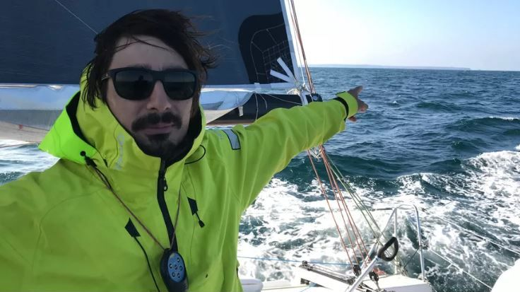 Jean-Baptiste Daramy prendra le large à bord d'un voilier de 12 mètres de long