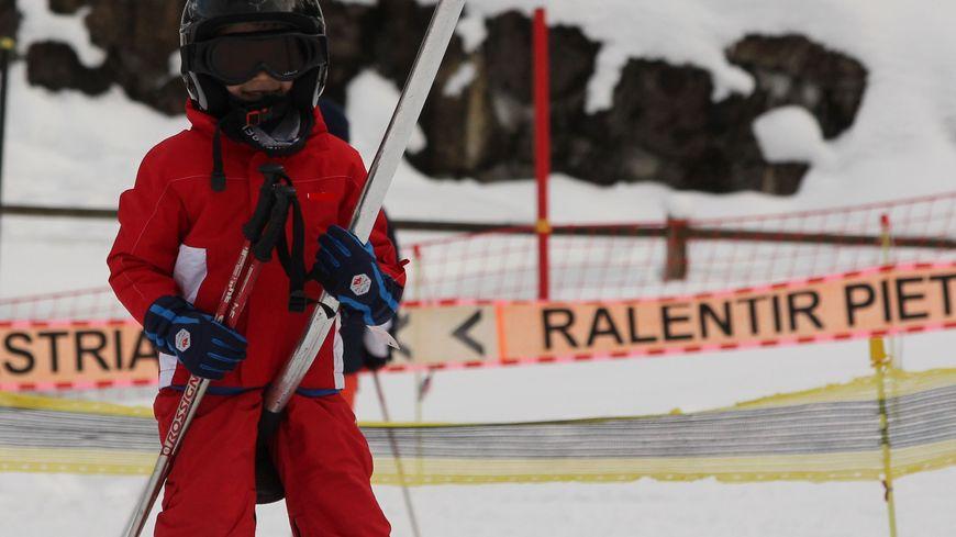 C'est un système qui se développe : louer de sa tenue de ski pour les vacances. En Haute-Savoie, un couple de Cernex a lancé un site internet spécialisé dans ce service.  (Photo d'illustration)