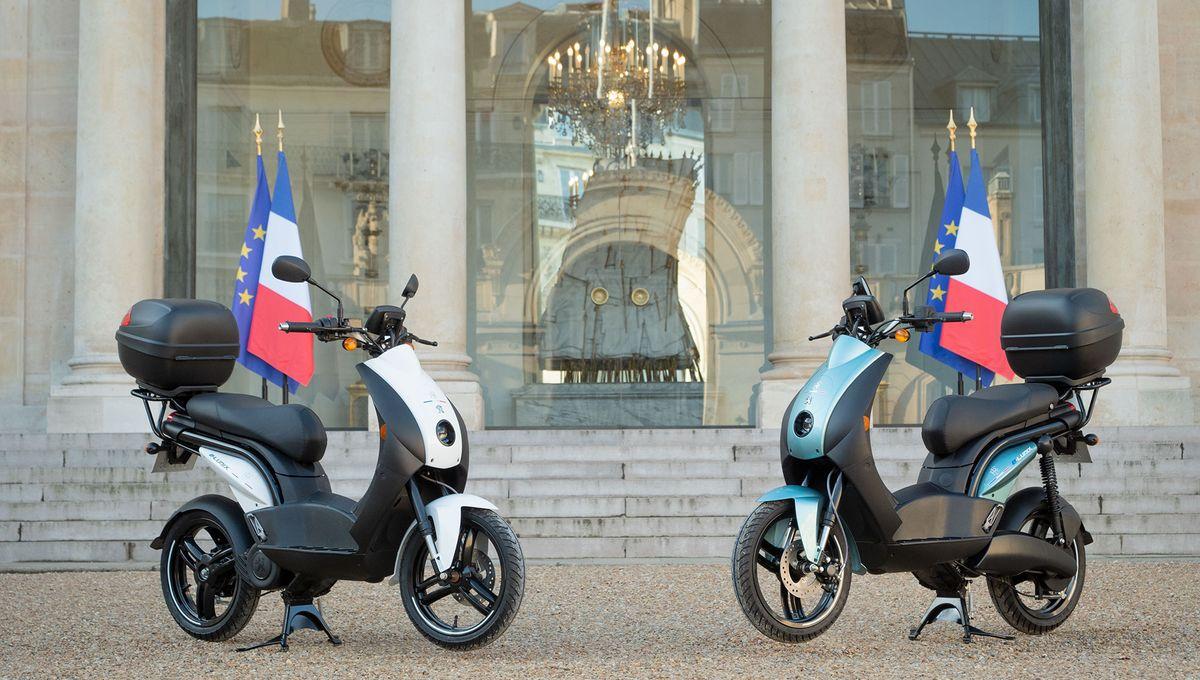 Deux scooters électriques Peugeot imaginés à Mandeure intègrent la flotte de l'Elysée