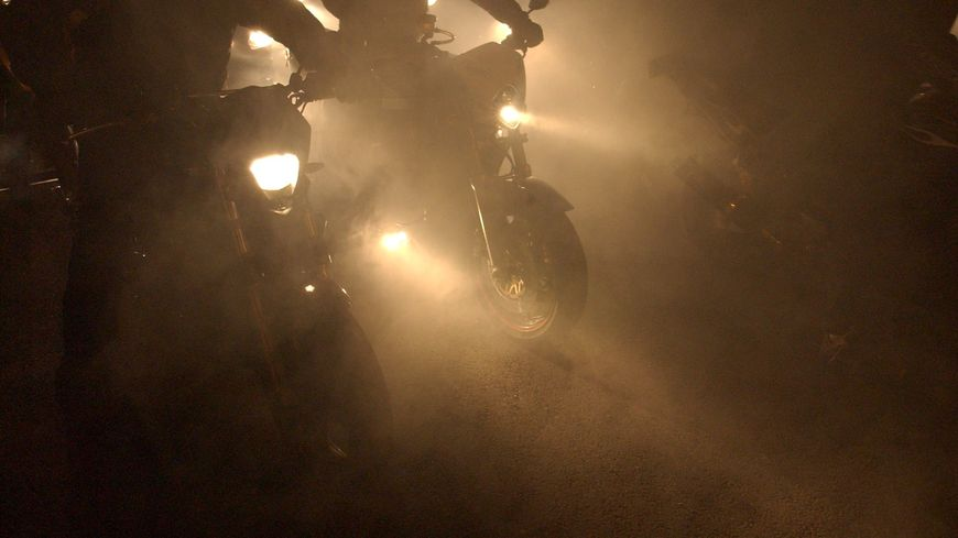 Un rodéo nocturne dans le centre-ville de Bordeaux.