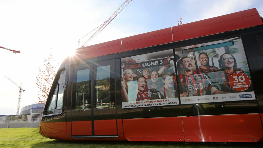 Les supporters de l'OGC Nice vont pouvoir se rendre à l'Allianz Riviera ce samedi soir pour la première fois en empruntant la ligne 3 du tram.