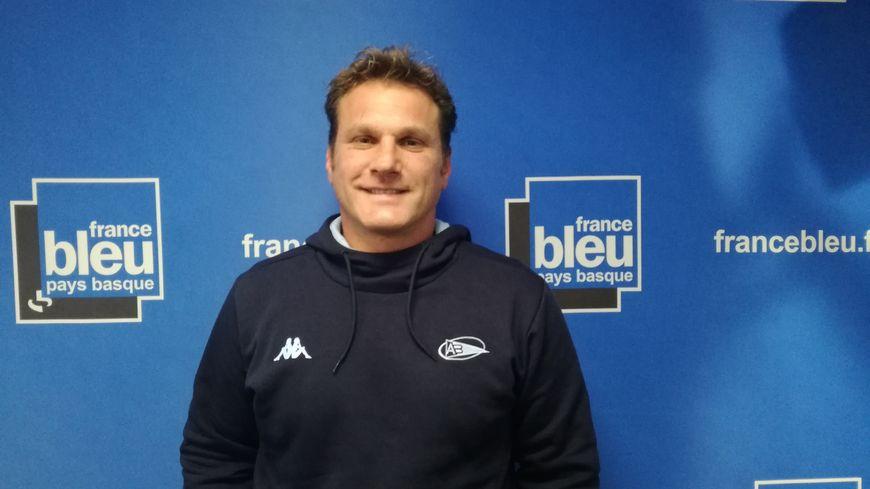 Rémy Ladauge, entraîneur des trois-quarts de l'Aviron Bayonnais Rugby Pro, invité de 100% Club - France Bleu Pays Basque