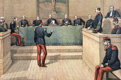Détail de la Une du Petit Journal de décembre 1894 représentant Albert Dreyfus devant la cour martiale