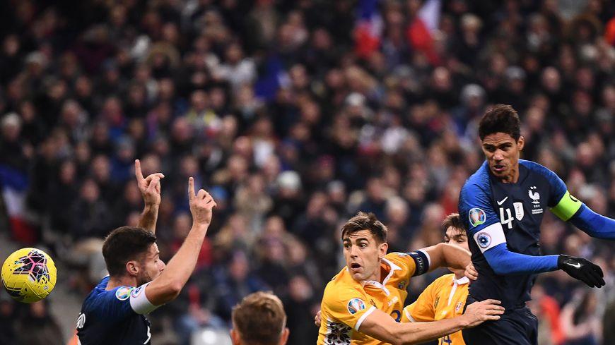 Raphael Varane, auteur d'un but français durant France-Moldavie le 14 novembre 2019 au Stade France