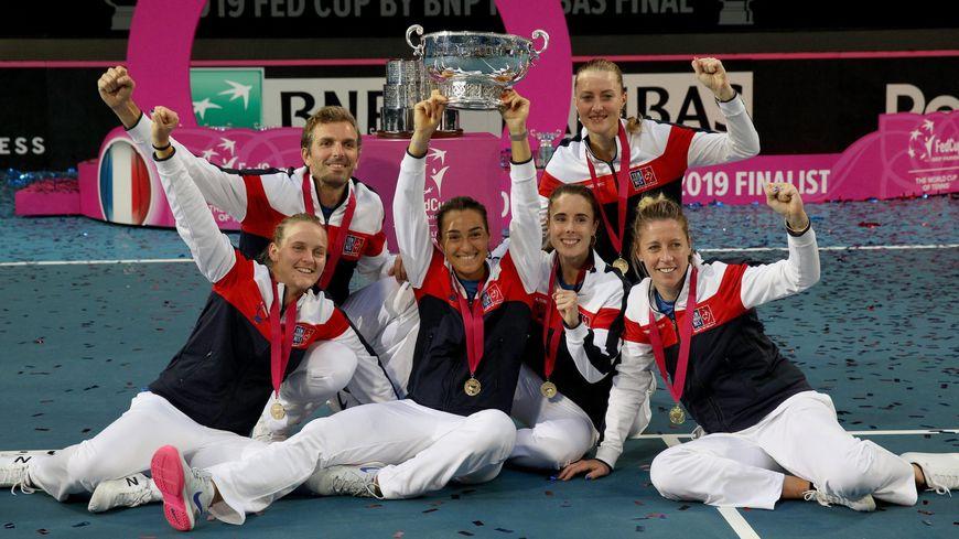 L'équipe de France de tennis célèbre la victoire en Fed Cup ce 10 novembre 2019 en Australie