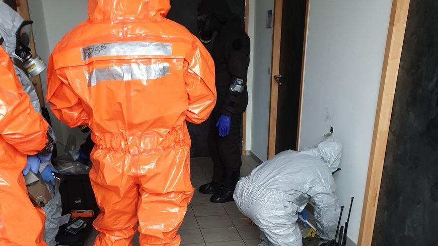 Les pompiers spécialisés en risques chimiques sont intervenus (illustration).