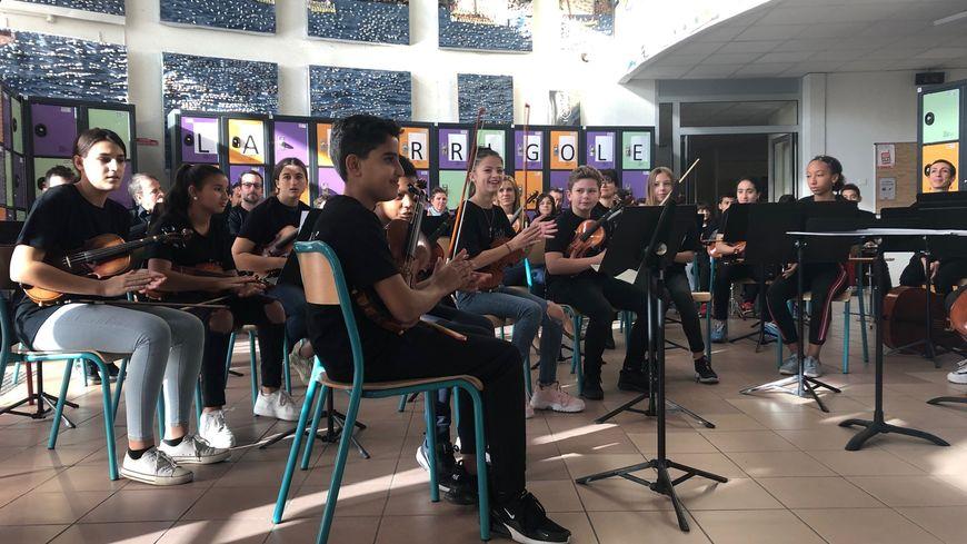 Trente élèves participent à la classe orchestre au Collège La Garrigole à Perpignan
