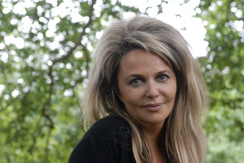 """Nathalie Rheims : """"Ce mal singulier frappe les femmes de ma famille depuis des générations"""" - Ép. 5/11 - Nuit de la Médecine"""