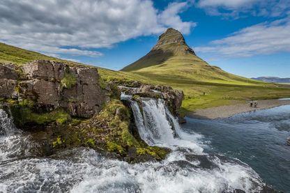 Découvrez à pieds ou en 4x4 la nature islandaise.