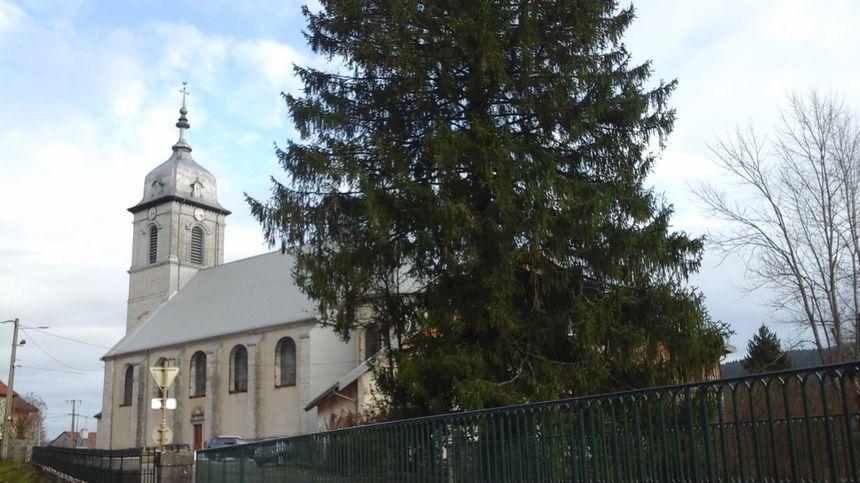 L'église, témoin de l'histoire de Mouthe, de sa fondation aux incendies
