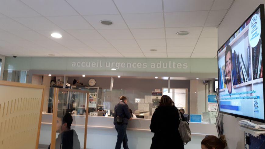 Accueil des urgences à Dijon au CHU.