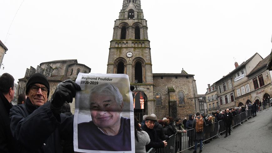 Les obsèques de Raymond Poulidor ont lieu ce mardi 19 novembre dans son village limousin de Saint-Léonard-de-Noblat