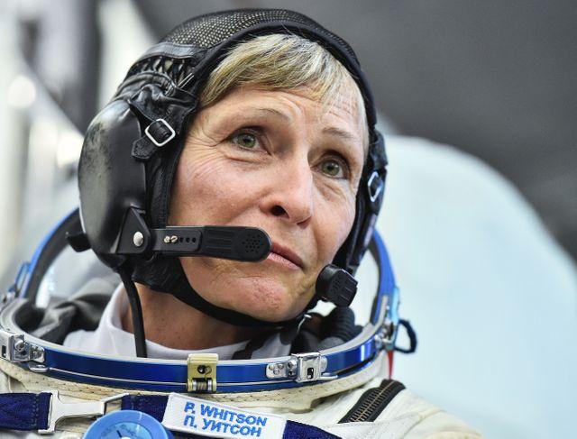 Peggy Whitson, astronaute américaine, 1ère commandante d'un équipage spatial et 1ère commandante de l'ISS en 2007. Elle y a refait une mission de 2016 à 2017 avec Thomas Pesquet et Oleg Novitskiy.