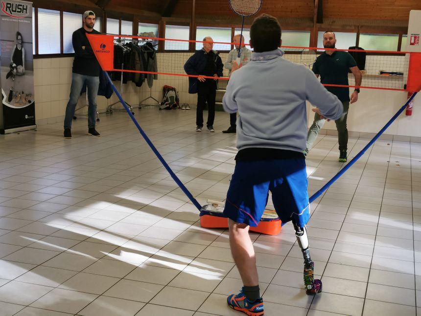 Les lames sont idéales pour la course, mais elles peuvent aussi servir dans d'autres disciplines comme les sports de raquette. - Radio France