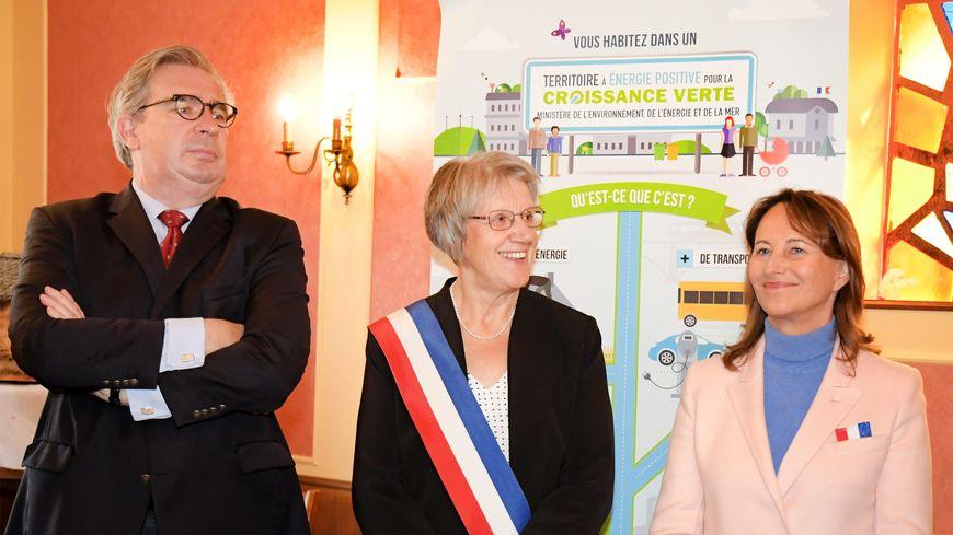 Ségolène Royal, ambassadrice chargée de la négociation internationale sur les pôles arctique et antarctique, inaugure un pôle multimodal à Confrançon (Ain), le 19 octobre 2019.