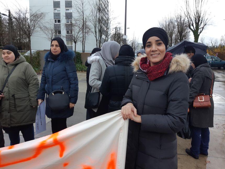 Hasna Abatouy, représentante FCPE sur le quartier et maman de trois enfants