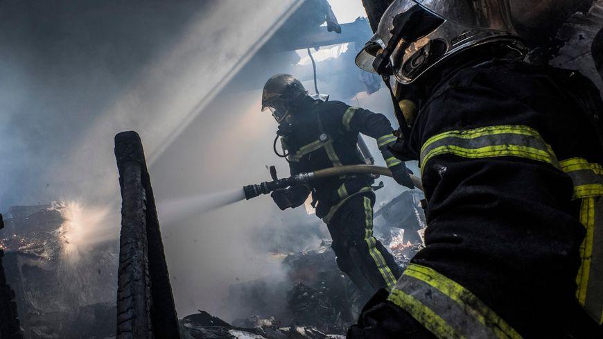 Malgré l'arrivée rapide des pompiers, une habitante de 70 ans d'un pavillon d'Aubigny-sur-Nère a été découverte sans vie
