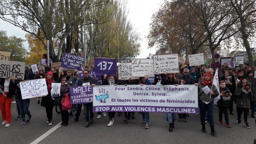 A Strasbourg, 1650 personnes ont manifesté (selon la préfecture) contre les violences faites aux femmes samedi 23 novembre 2019.