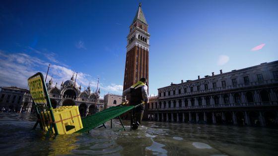 La Place Saint-Marc inondée à Venise