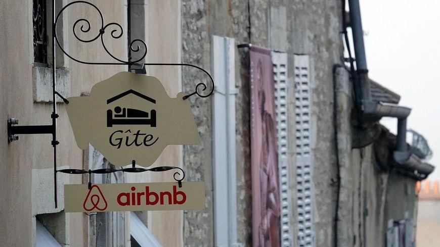 Les règles se durcissent pour les plateformes comme Airbnb.