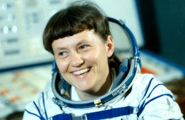Svetlana Savitskaïa, 2ème femme dans l'espace et 2ème cosmonaute russe, dans la capsule du vaisseau Soyouz T-7 (en août 1982)