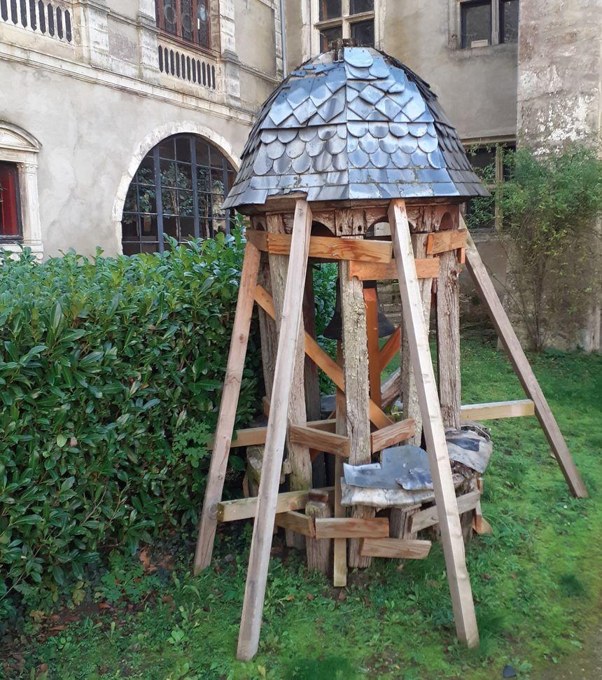 Le clocheton du château de Veauce