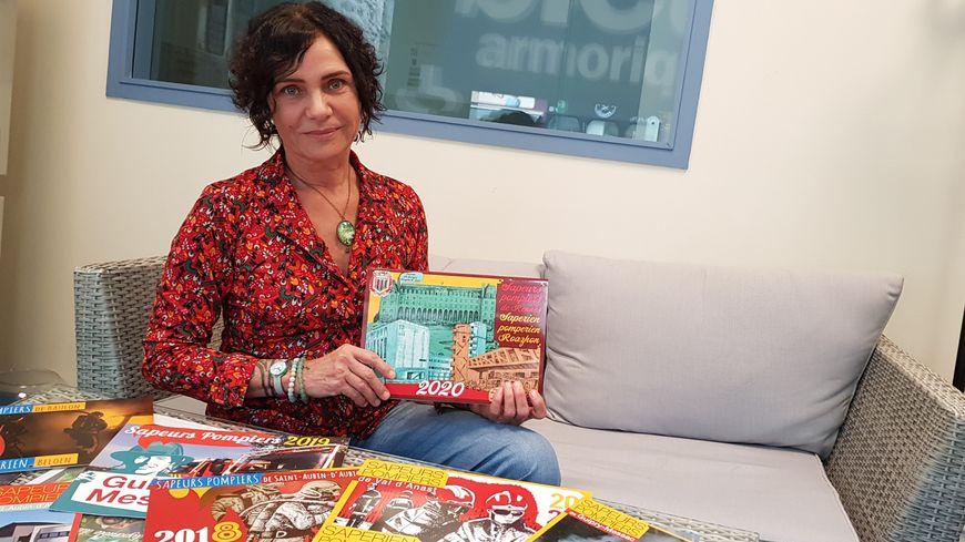Depuis 2015, Sabine Comès propose des calendriers bilingues.