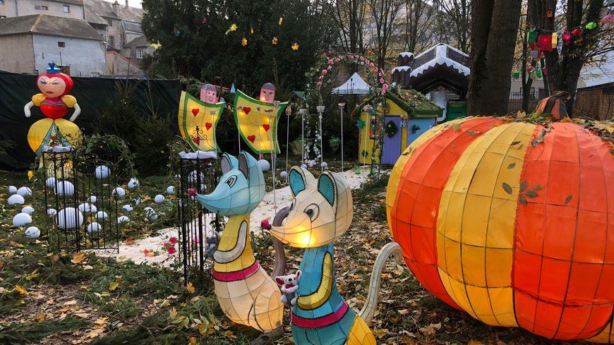 Le sentier des lanternes est l'une des animations phare de l'événement, avec plus de 500 lanternes.