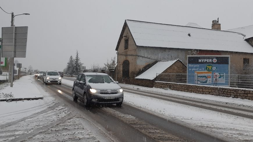 Les automobilistes déjà gênés par les premiers flocons de neige en Lozère