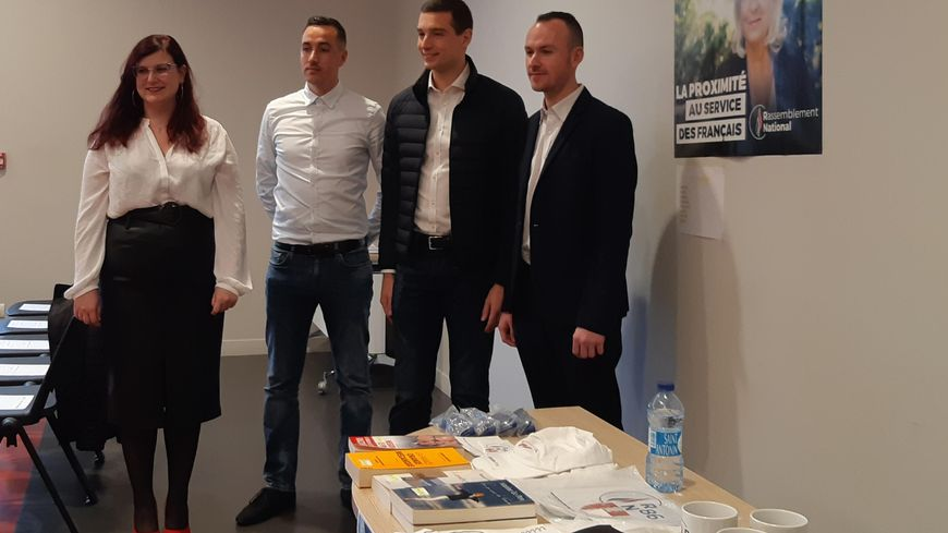 Le député européen Jordan Bardella est venu soutenir les trois candidats du RN aux municipales dans la Vienne.