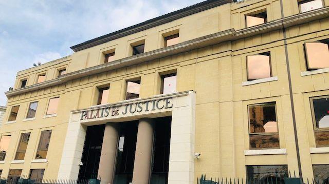 Une enquète pour meurtre a été ouverte par le parquet de Nîmes.