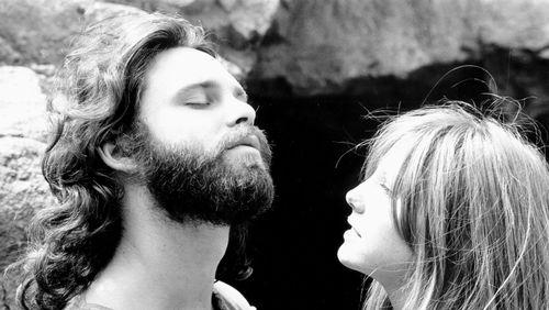 """Épisode 12 : Jim Morrison : """"Les concerts de rock ont une fonction : donner aux gens qui ont les mêmes centres d'intérêt une possibilité de se rassembler"""""""