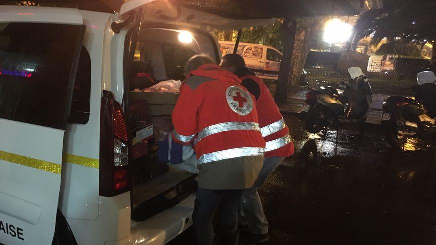 A Ajaccio, la maraude de la Croix-Rouge maillon essentiel de la solidarité - France Bleu