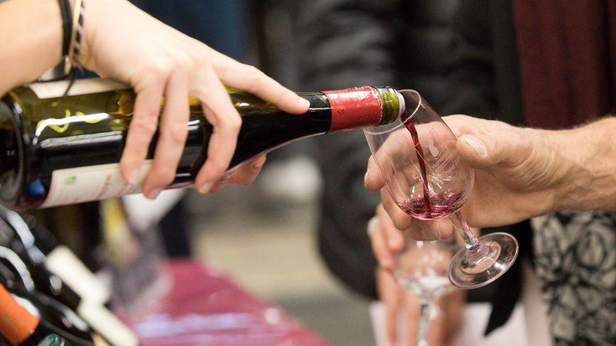 Peut-on utiliser l'image d'un domaine pour vendre un vin qui n'en est pas issu ? C'est la question au centre des débats. Image d'illustration.