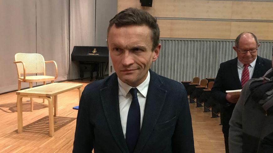 Sylvain Tesson, 47 ans, a reçu le prix civil du soldat de montagne, ce jeudi 21 novembre à Grenoble,  pour ses écrits sur les combattants alpins en Afghanistan et au Mali.
