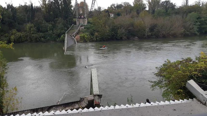 Le tablier du pont s'est effondré ce lundi.
