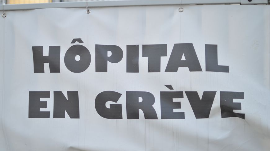 Devant l'hôpital de Chambery en Savoie.