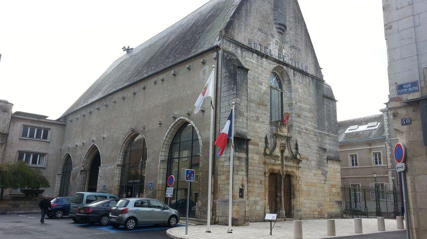 La mairie de St-Amand-Montrond (Cher)