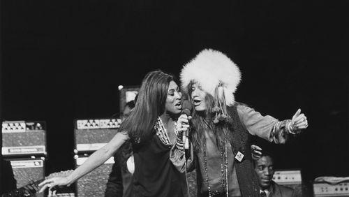 """La Nuit rêvée de Jean-Claude Gallotta (5/11) : """"Rockeuses"""", une histoire du rock au féminin"""