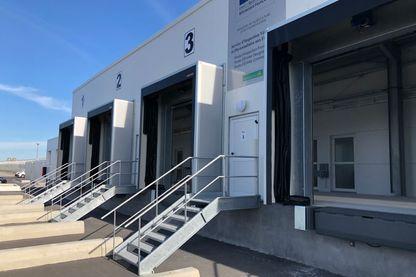 Les nouveaux bâtiments de douane dans le port de Calais pour les contrôles en cas de Brexit dur. Août 2019.