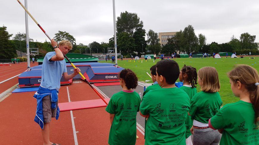Le stade Hélitas à Caen pourrait accueillir des jeunes athlètes