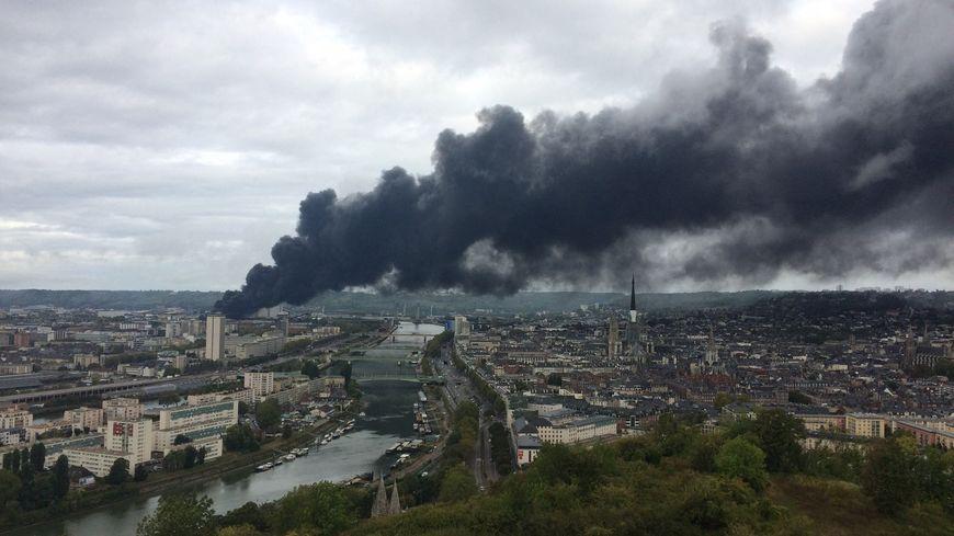 Incendie de l'usine Lubrizol à Rouen (Seine-Maritime), 26 septembre 2019.