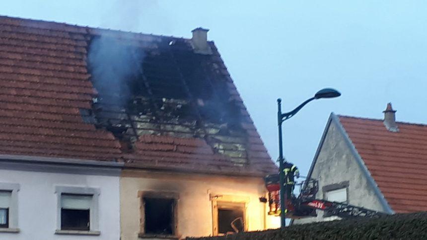 Une soixantaine de pompiers sont intervenus
