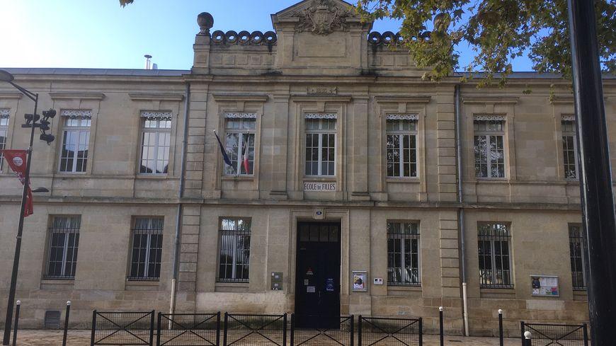 L'école primaire Ferdinant Buisson, sur la place du même nom.