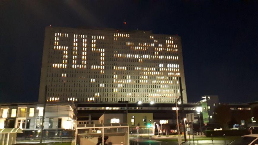 Les automobilistes ont vu vendredi 29 novembre un SOS lumineux sur la tour du CHU de Caen