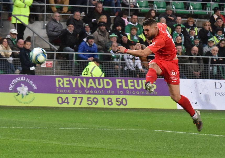 Andy Delort aurait du bénéficier d'un penalty