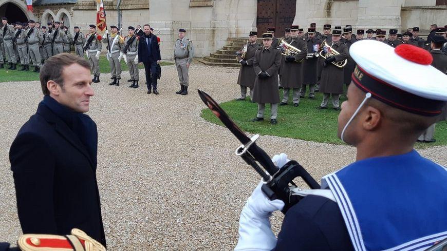 Emmanuel Macron est en déplacement ce jeudi dans la Marne.