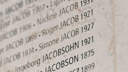 Transmettre la mémoire de la Shoah : les mots justes