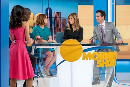 Jennifer Aniston, Nestor Carbonell, Reese Witherspoon dans The Morning Show